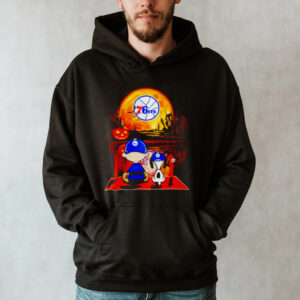 Snoopy and Charlie Brown Philadelphia 76ers happy Halloween shirt